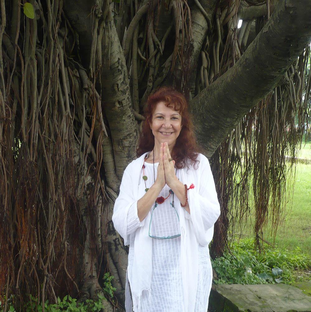 Μαθήματα γιόγκα και χοροθεραπείας online Για ενδυνάμωση σώματος ψυχής και αφοσιωμένων σχέσεων Με τη  ΛΗΔΑ SHANTALA, Χοροθεραπεύτρια G.D.T.R. Sr