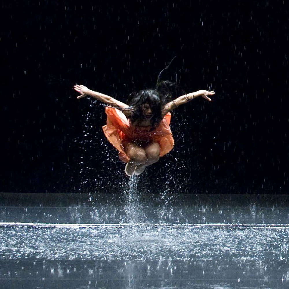 Άγγιγμα αγάπης: Χοροθεραπεία online με την Λήδα Σαντάλα Κυριακή 24 Ιανουαρίου ώρα 12:00 – 14:30